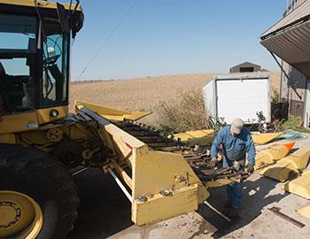 farmer fixing equipment